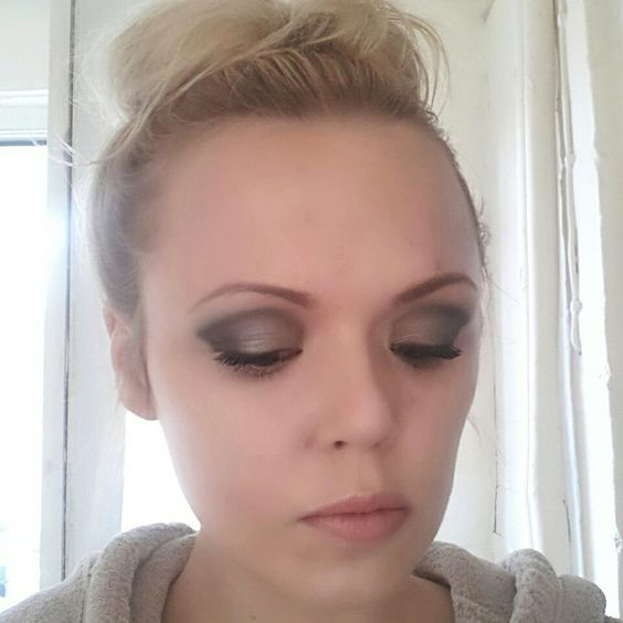 A bit more of a dramatic look. Eye pigments; devious, feisty and gorgeous