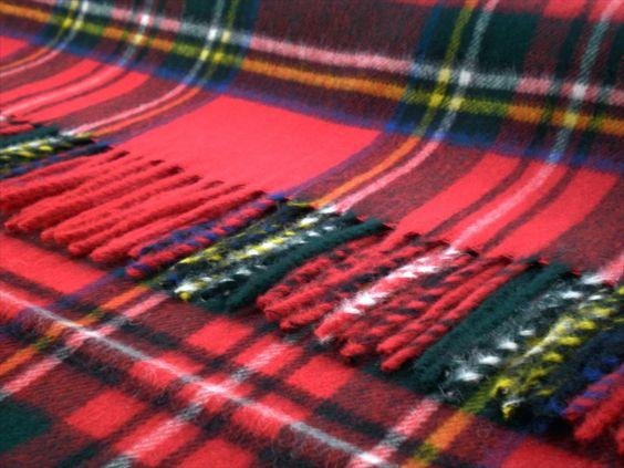 Bronte Throw Blanket - Tartan Throw - Merino Lambswool (Royal Stewart)