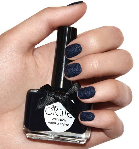 Velvet Manicure von Ciaté (Blue Suede)