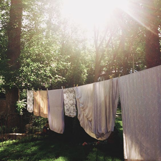 Inspirational chores!  Revisiting laundry the laundry line (and hand washing) great way to spend a hot sunday morning before going out:)