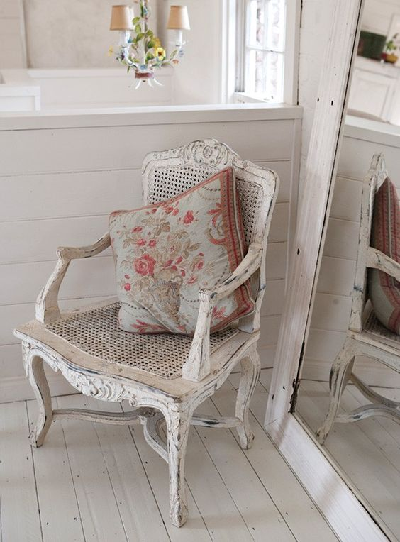 shabby chic | In the vintage, shabby chic esq bedroom an antique cast-iron queen ...