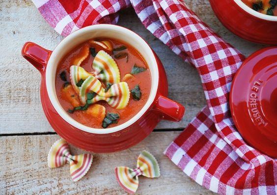Zupa Pomidorowa Nieustannie Kroluje W Mojej Kuchni Za Sprawa Mojego Siedmioletniego Synka Prawdziwego Fana Tej Zupy Ciagle Doskonali Vegan Creuset Le Creuset