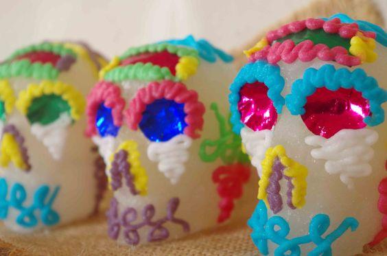 Calaveras de azúcar mexicanas artesanales para Día de Muertos tamaño pequeño de Calaverasazucar en Etsy