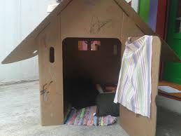 Resultado de imagem para como fazer uma casinha de boneca reciclada