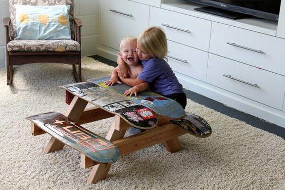 Aprenda a reciclar móveis velhos em casa para decorar seu cantinho também