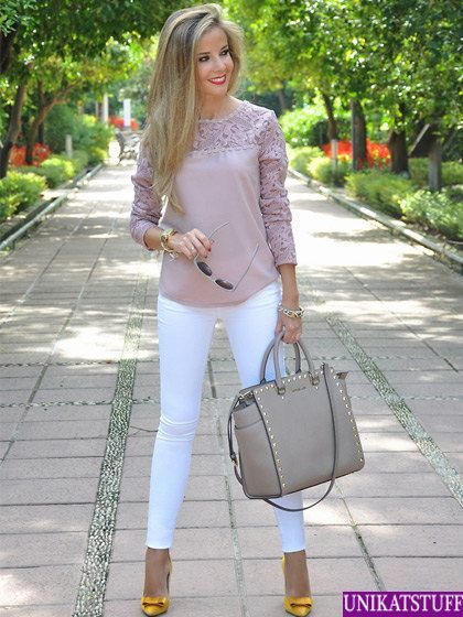 I love this blush colored top with white skinny jeans! business ...