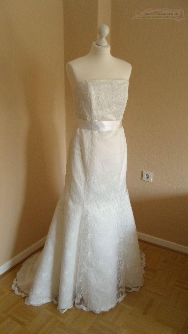 ♥ Traumhaft schönes Spitzen-Brautkleid im Meerjungfrauenstil ♥  Ansehen: http://www.brautboerse.de/?post_type=listing_type&p=40693   #Brautkleider #Hochzeit #Wedding