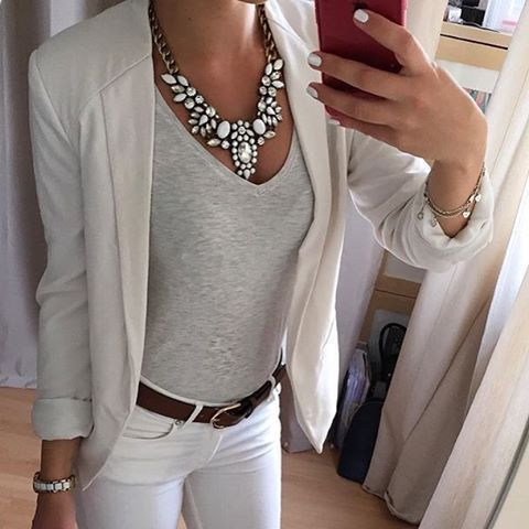 Snow White Statement Necklace #ootd #fashion #style #statementnecklace #necklace - 24,90   @happinessboutique.com