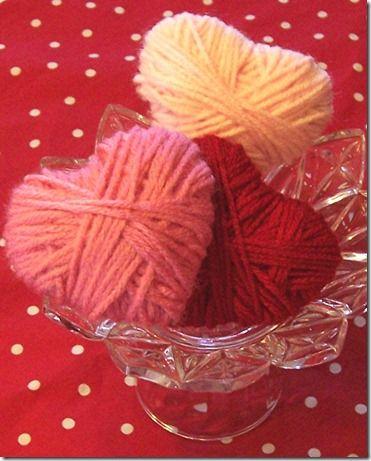 des cœurs en laine