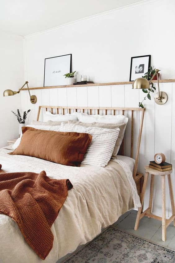 Create a calm and cozy bedroom by mixing and matching earthy linen sheets. Linen duvet covers, linen pillowcases, linen sheets and more available in various earthy tones. Photo and styling by The Merrythought (IG: @themerrythought)