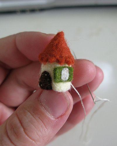 Cute felt house craft