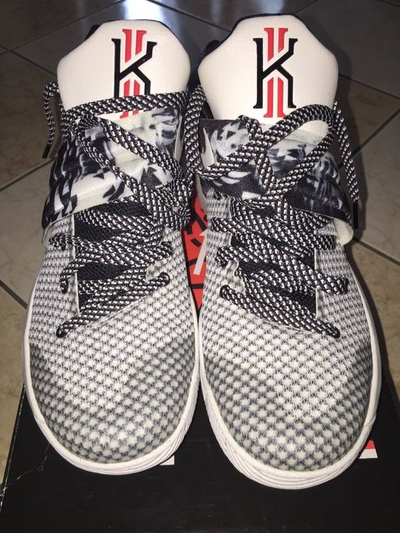 Kyrie 2, Kyrie Irving sneakers multicolor/black size: 9.5 great condition…