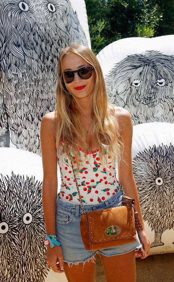 Celebrities en el festival de Coachella de 2012: Harley Viera Newto de Mulberry