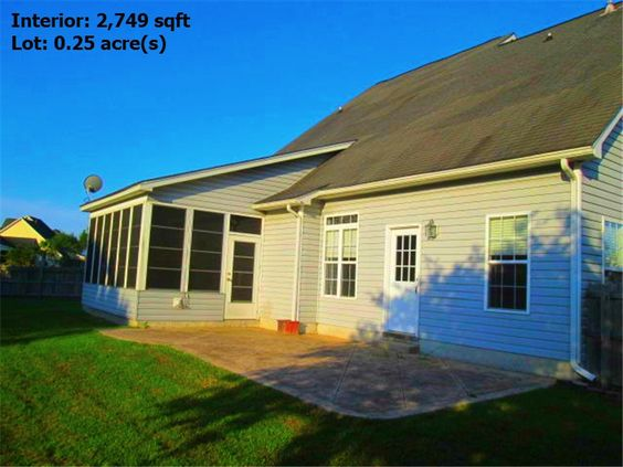 This Summerville SC Home For Sale is a great deal don't stay around long in the market! #SummervilleSCHomeForSale #JanetKuehn #SouthernBreezesRealEstate