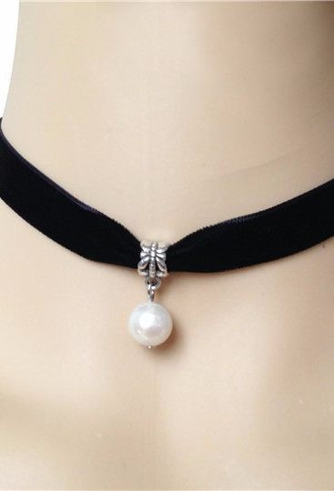 Black Deco Velvet Pearl Ribbon Choker Necklace:
