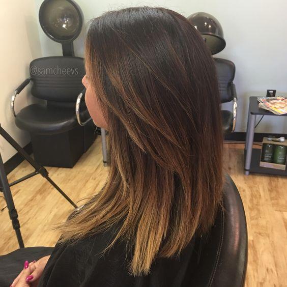 dark hair ombré .Summer hair styles for brown hair. Medium length haircut. Instagram @samcheevs