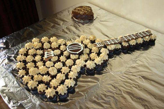 guitar cupcake cake cakes cakes cakes pinterest mini cupcakes cakes and cupcake. Black Bedroom Furniture Sets. Home Design Ideas