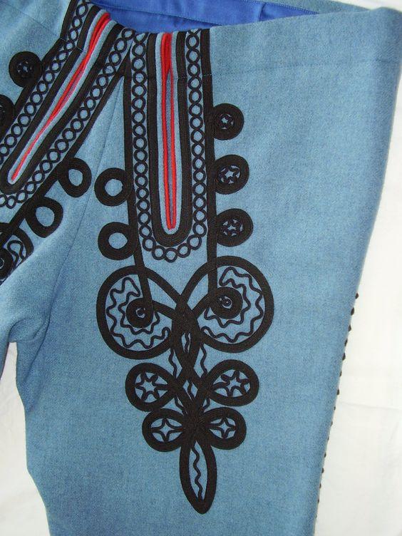 Pánské kalhoty - nohavice, Luhačovické Zálesí. Folk clothing from Luhačovické Zálesí (Czech Republic). Připnuto z webu