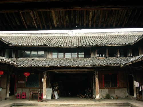 Another view of the Chinese courtyard house.