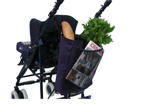 La borsa portaoggetti Baby's Clan è pratica, capiente e robusta. Può contenere svariati oggetti: dalla spesa all'occorrente per il bambino. E' dotata di una tasca anteriore retinata. La borsa è adattabile a ogni tipo di passeggino, l'attacco ai manici avviene tramite due cinghie dotate di gancio. All'occasione può essere utilizzata come borsa a mano e poi riagganciata al passeggino. Disponibile in vari colori, è un accessorio indispensabile per la vostra comodità.
