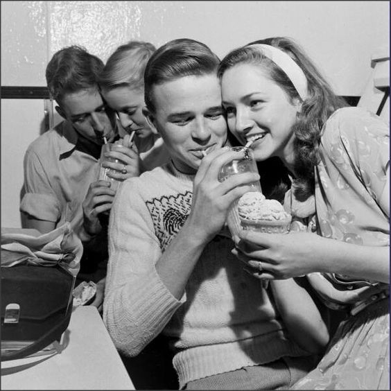 1950's Teenagers at the soda shop<3