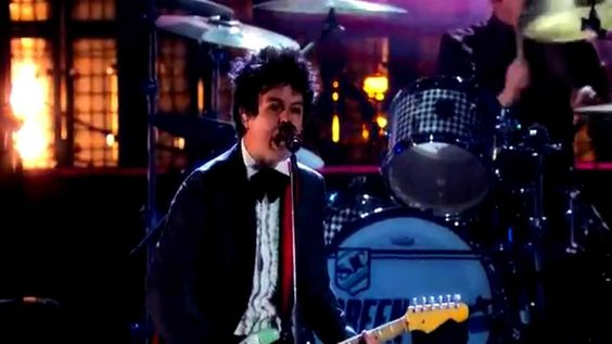 GREEN DAY - When I Come Around / Basket Case [Live]  Rock and Roll Hall of Fame 2015