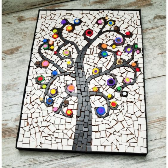 El mosaico trabajo de artesana es una obra pict rica for Mosaico ceramica