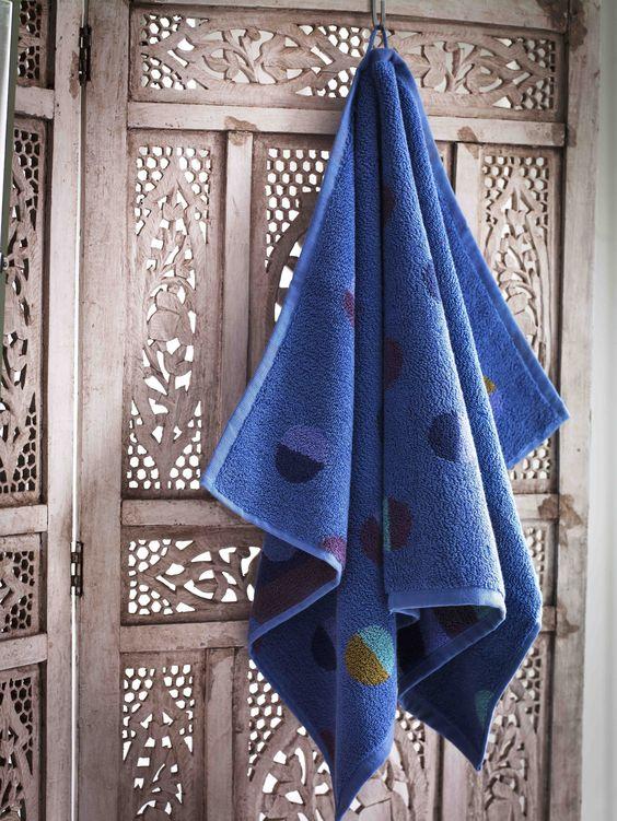 Herbst / Winter 2013 - Gästehandtuch latitud himmelblau Das himmelblaue Gästehandtuch ist ein schönes Frotteehandtuch aus Öko-Baumwolle. Erhältlich im 2-er Pack. Größe 35 x 50 cm.