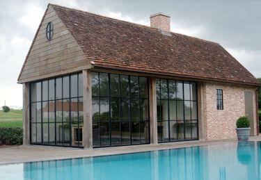 Poolhouse engelse stal pinterest zwembad huizen for Exterieur waregem 2015