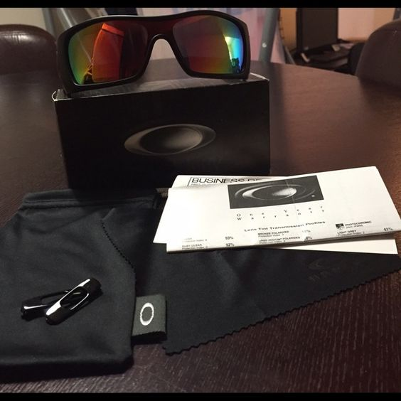 how to tell fake oakley batwolf sunglasses  oakley batwolf polarized (ducati) authentic oakley accessories sunglasses