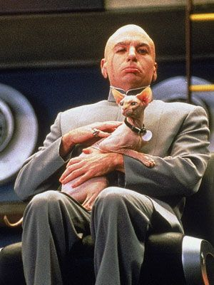 Austin Powers in Goldmember (2002) / Dr. Evil and his hairless sphinx cat  #famous #people #cats