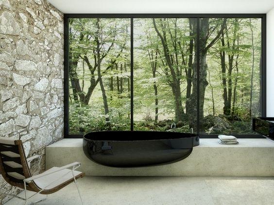 Egg shaped Bathtub by Claudia Danelon and Federico Meroni. love the backdrop