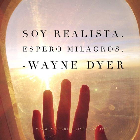 Hoy le rendimos tributo a un hombre que inspiróy transformóel mundo de millones de personas, el Dr. Wayne Dyer, autor demás de 40 libros en el tema