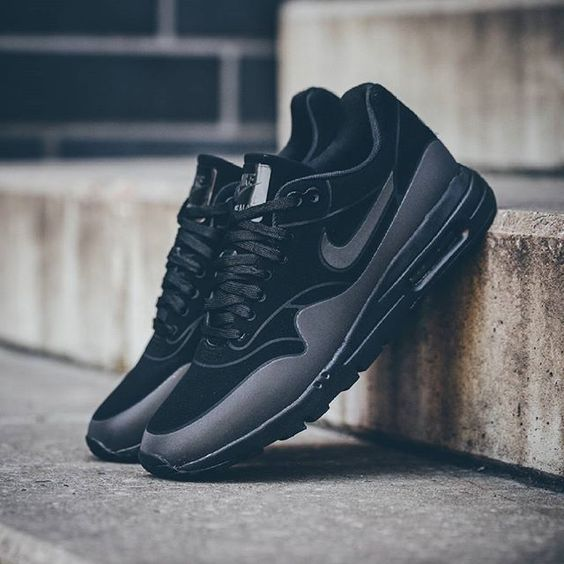 reputable site a1372 3cf1a Nike Air Max 1 Ultra Moire Black Mens extreme-hosting.co.uk
