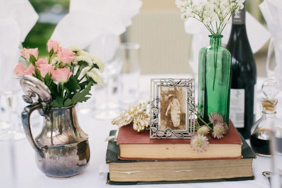 Vintage frames, gears, and books: A spectacular British steampunk wedding | Offbeat Bride