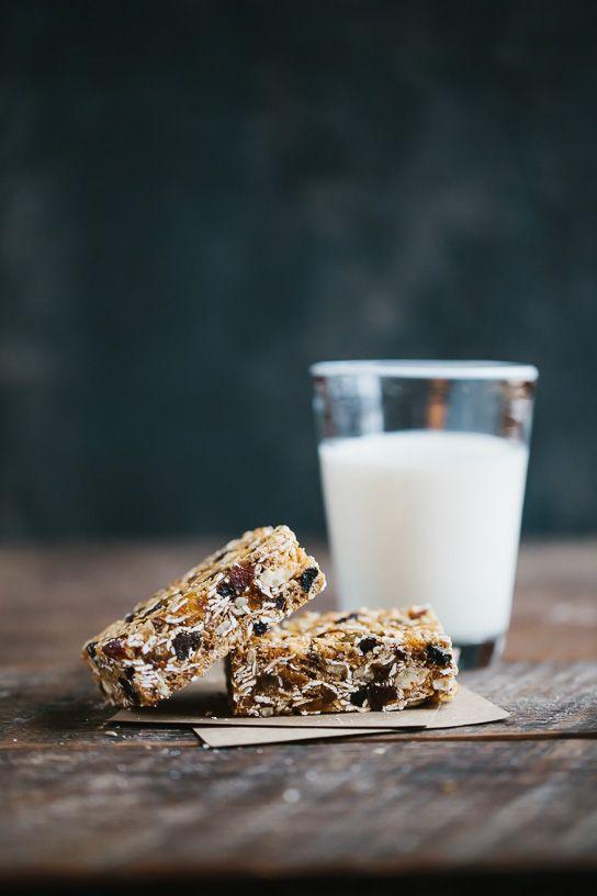 Snack allenamento: barrette di cereali e frutta