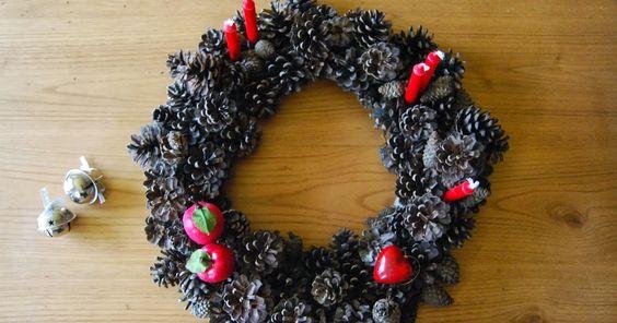 SO SUNNY: Corona de navidad con piñas, y no será la última....DIY Christmaswreath with pinecones