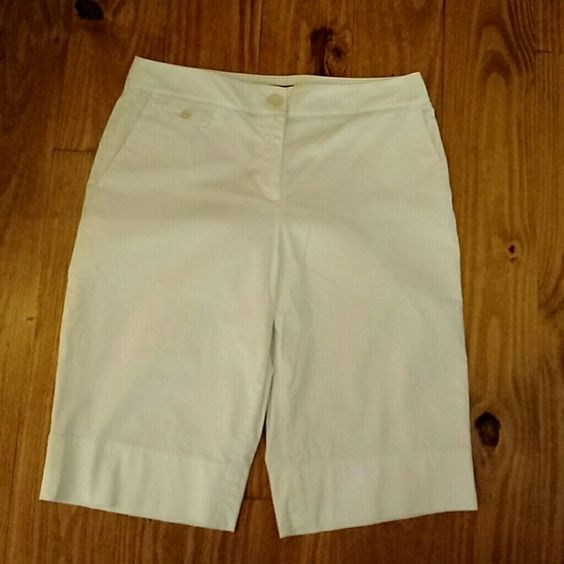 Talbots bermuda shorts Bermuda shorts, cotton blend, great condition Talbots Shorts Bermudas