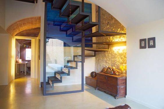 Corredores, halls e escadas Mediterrâneo por Brick construcció i disseny