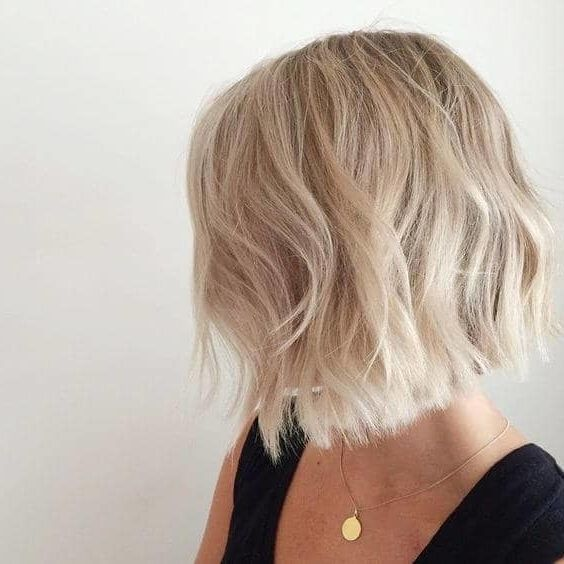 Bwti Yazilim Short Blonde Hair Blonde Hair Color Short Hair Balayage