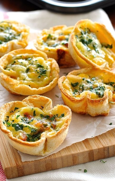 Mini Quiche Toast Cups made with plain old sandwich bread! Filled with ...