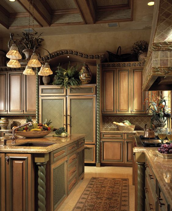 Amazing Kitchens: The Details On The Cabinetry Are Fabulous. Love The Panel