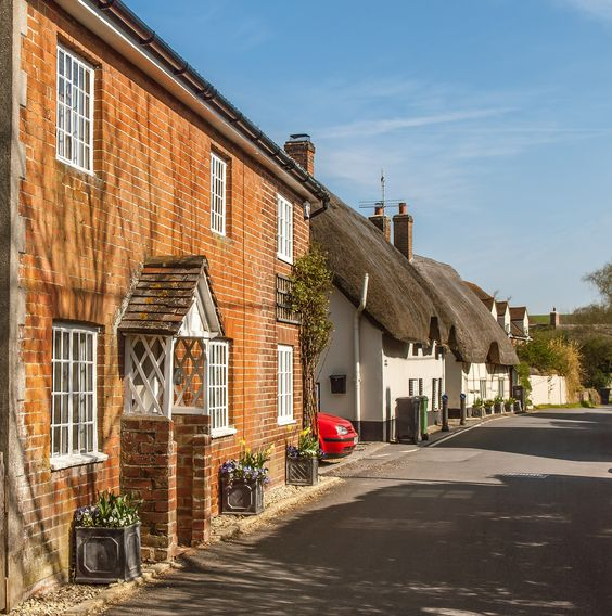 Longstreet village in Wiltshire_ England