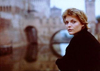 Michelle Pfeiffer on Ladyhawke's set