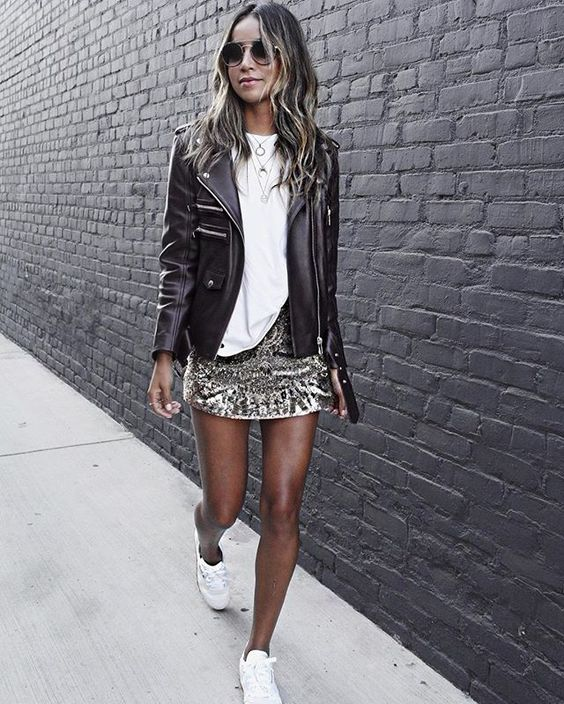 15.09.16 Pardon me, I'm sparkly! ✨   wearing @reebokclassics @reebokwomen sneakers