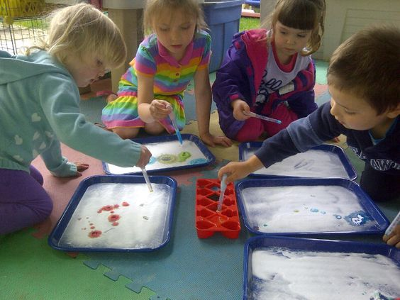 Baking soda and colored vinegar activity.