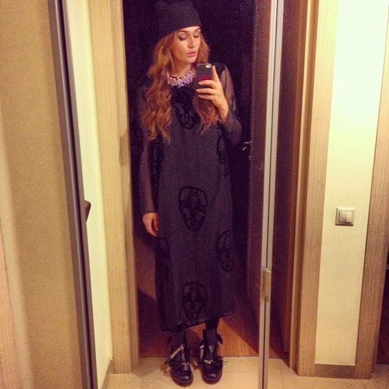В школу поехала. Платье #Thomaswylde шуз #Balenciaga на шее @readytowear_ru шапку не помню. Мур ✌ #Padgram
