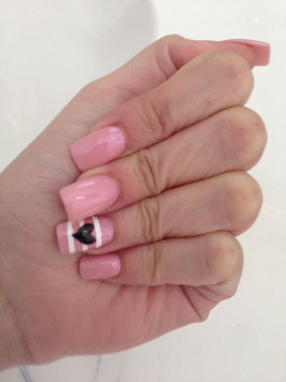 Pink nails with stripes & black heart
