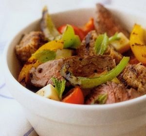 Grilled Beef Panzanella Recipe http://www.dreamcuisine.us/grilled-beef-panzanella.html