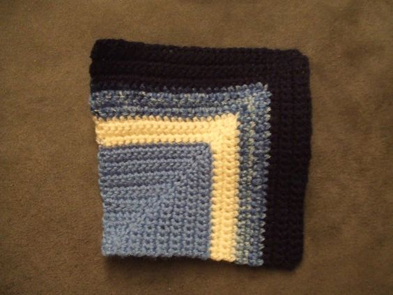 My world of crochet: 200 Grannies